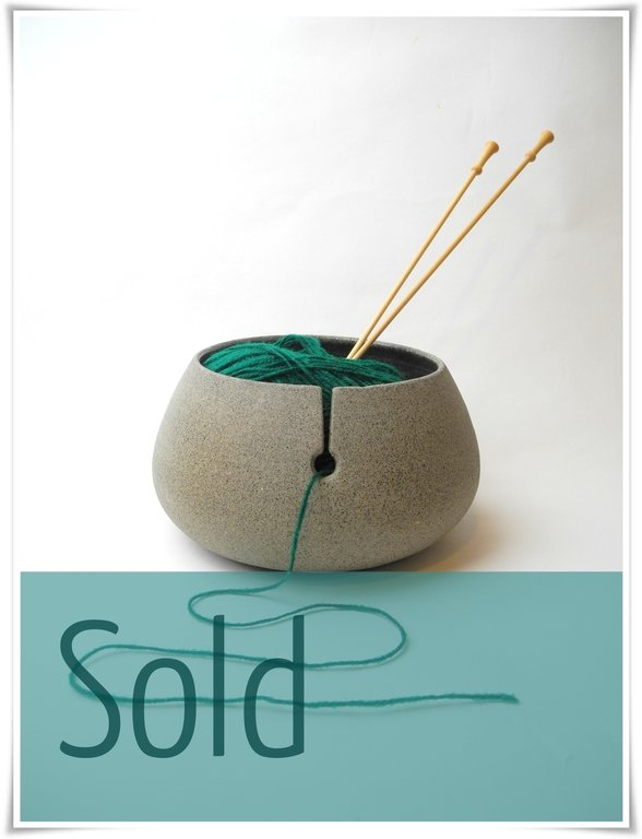 Yarnbowl - Rock - Grey with spots - modern.