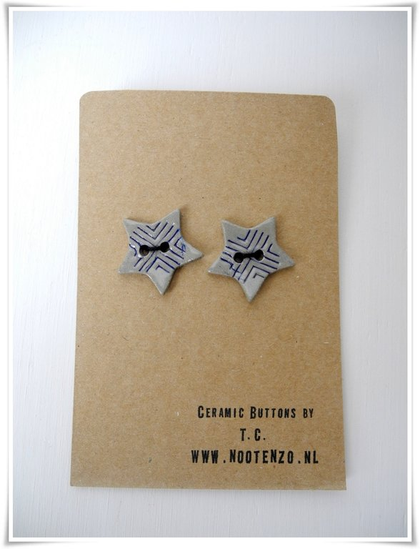 Buttons - Small stars in grey with dark blue.